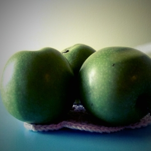 Granny smith apples have a higher nutrient density than any red apples! Be sure to grab some organic green apples!